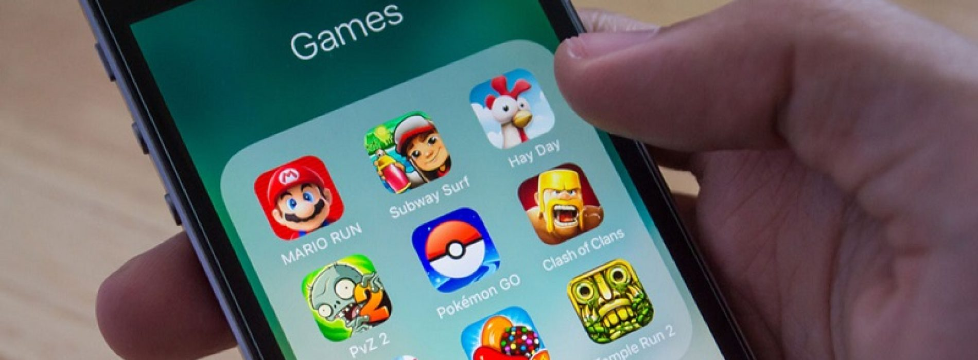 Which are the top best smartphone games to play with your family?