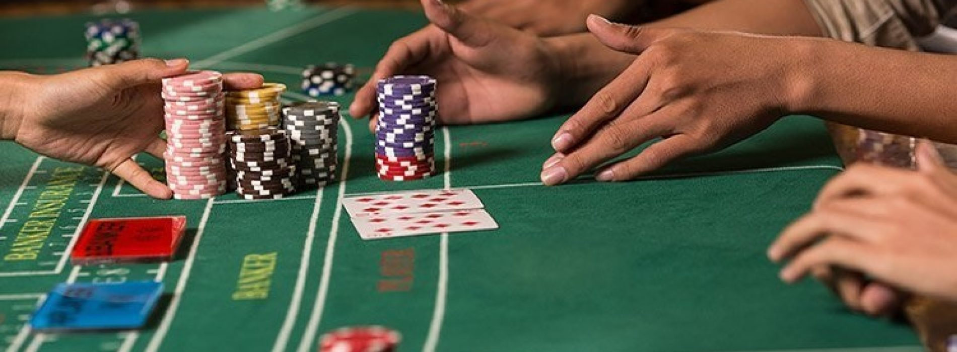 Online Baccarat Is Better Than Land-Based Baccarat! How? Let's Tell You