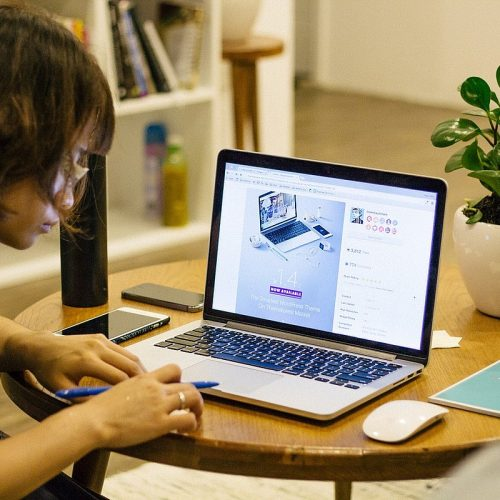 How To Manage An Online Store
